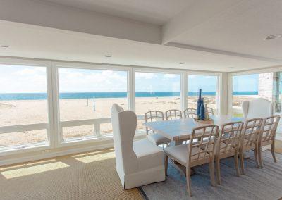 1712 E Oceanfront Dining