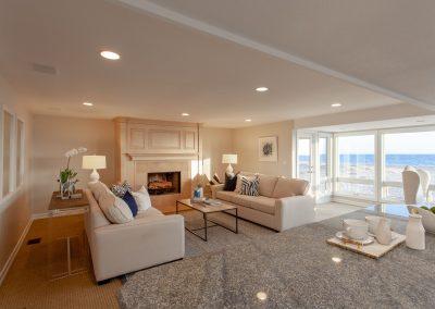 1712 Oceanfront Living Room